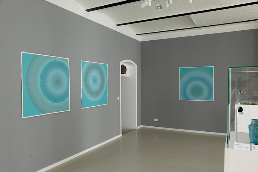 """""""Circles"""" Farbige Tusche auf Papier 5 Arbeiten, jeweils 104,4 x 104,5 cm"""